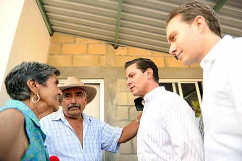 MVC y EPN Entregan Viviendas a Familias Damnificadas de Jiquipilas