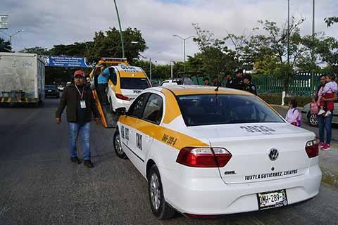 Secretaría de Transportes Detiene a 70 Taxis Irregulares en Tuxtla Gutiérrez