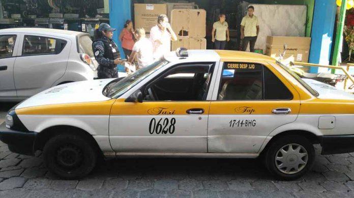 Golpeó a un Taxi Estacionado