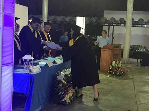 Entrega UNACH Documentos a Egresados y Graduados de Maestría en Administración