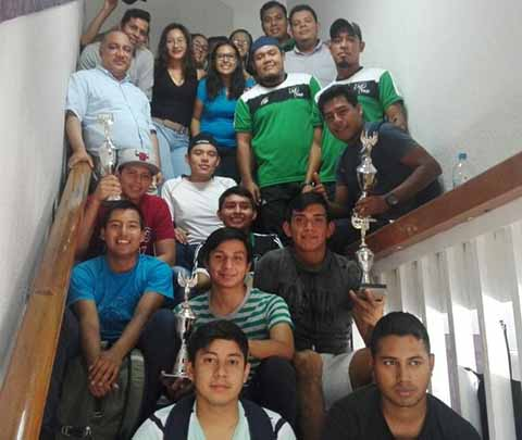 Reconocimiento a Universitarios que Participarán en Próximo Evento Nacional