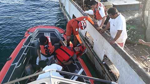 La Secretaría de Marina Proporciona Apoyo Médico a Buque Camaronero