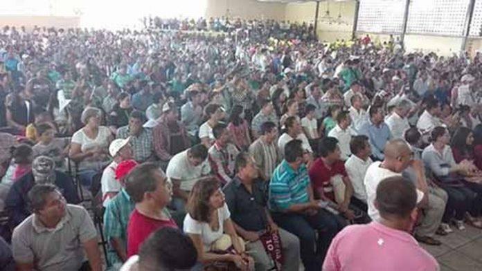 Militantes y simpatizantes del Movimiento de Regeneración Nacional, se dieron cita en el Club Campestre de Tapachula, donde el coordinador regional del partido, Rutilio Escandón, llamó a la unidad para lograr un verdadero cambio en el país.