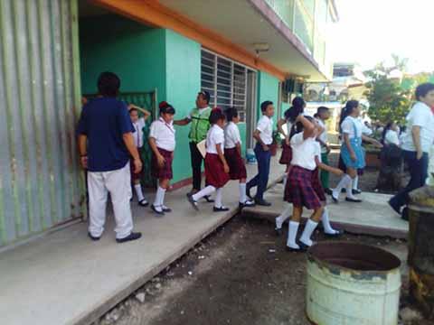 Protección Civil Realiza Simulacros en Escuelas