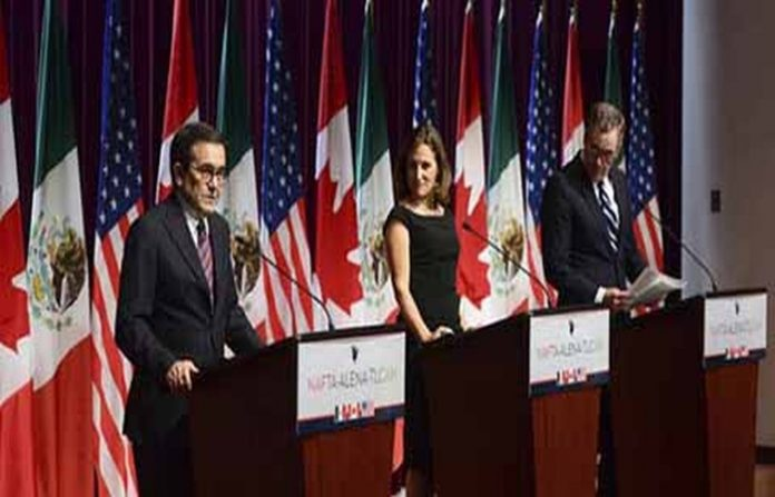 El secretario de Economía Ildefonso Guajardo, reiteró que México ha sido claro, que nunca pagará por el muro como lo pretende Estados Unidos. En tanto Donald Trump, endureció sus críticas hacia los migrantes.