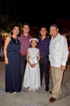 Familia Mak Ochoa.