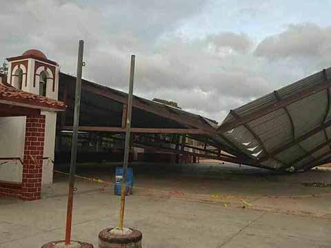 Fuertes Vientos Voltean Tráilers y Afecta Viviendas en la Costa
