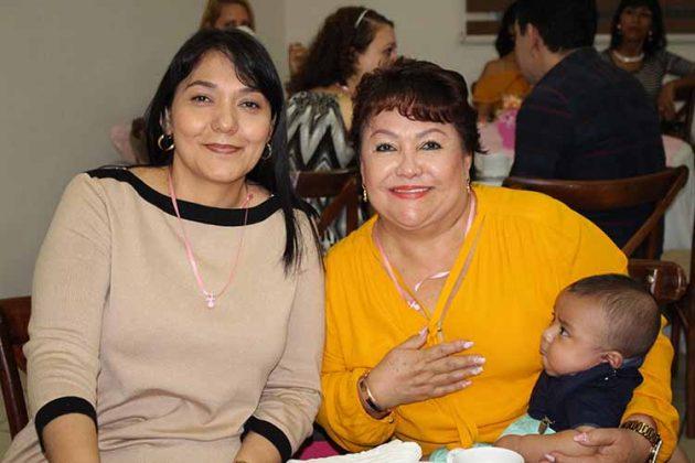 Yolanda Ardavin, Mónica Oyervides, Isaac González.