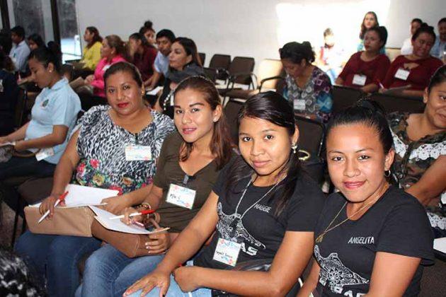 Rosario Rivera, Mari Morales, Maggy Romero, Angelita García.