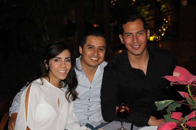 Karen García, Enrique Ziehl, Iván Reyes.