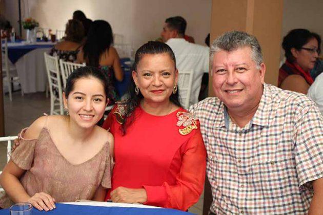 Ricardo Ruiz, Gudalupe Bonino, Harumi Ruiz.