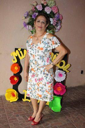Elena González.