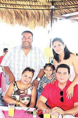 Víctor Trujillo, Carolina Palomeque, Dalia, Aldo Zúñiga, Toñita Aguiar.