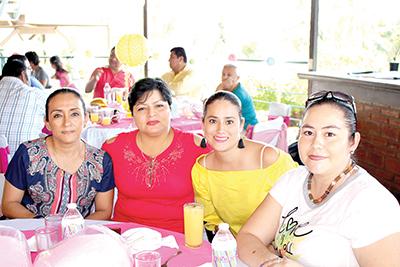 Araceli Torres, Grisel Sánchez, Mariana Anza, Lety Guzmán.