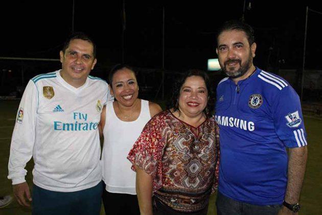 Oscar Prado, Guadalupe Domínguez, Faby Córdova, Carlos Archila.