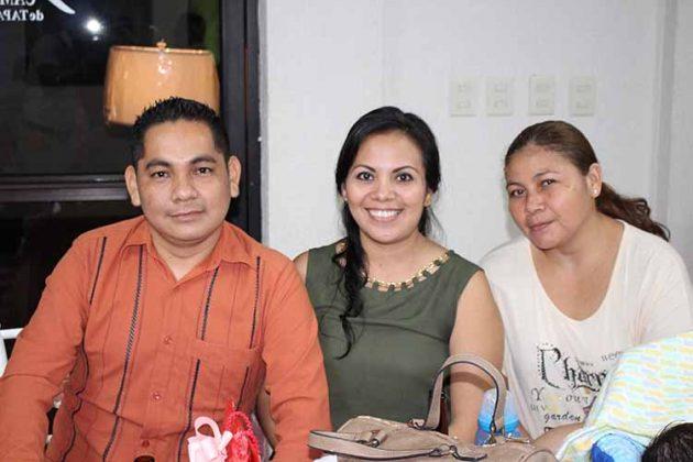 Juan Antonio, Karina Cabrera, Eneyda Orantes.