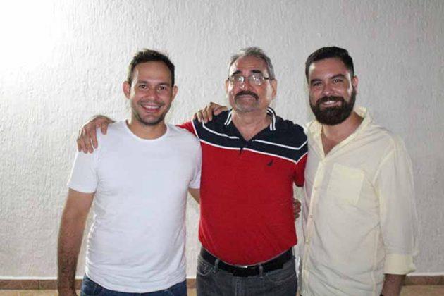 Yamil Antón, Arturo, Arturo López.