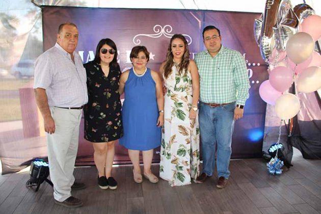 Eduardo Fuentes, Maritere, Georgina Palacios, Mariana, Eduardo Fuentes.