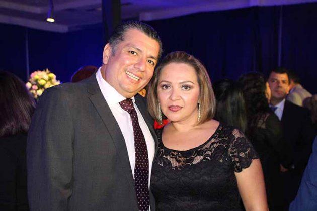 Roberto Fuentes, Maggie Arenas.