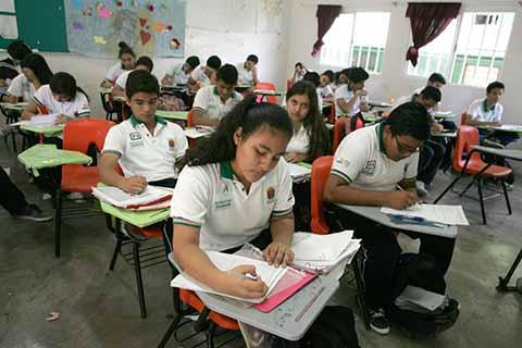 Regresan a Clases más de un Millón 800 Mil Estudiantes en Chiapas