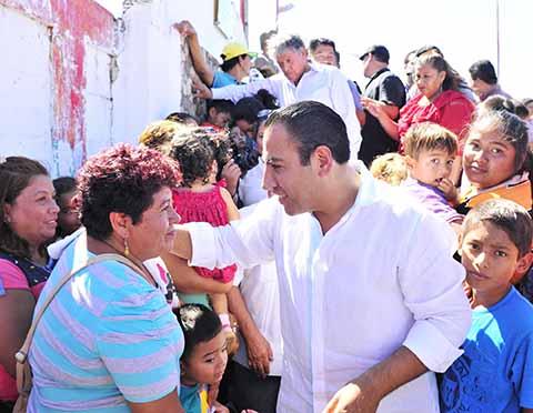 Convive Eduardo Ramírez con el Pueblo Tonalteco