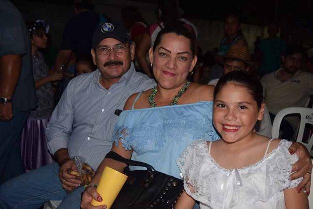 Fabián García, Liliana Fuentes, Cecilia Yañez.