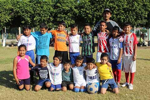 Empatan Búhos y Leoncillos FC