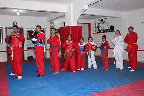 Taekwondoínes Tendrán Fogueo