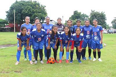 Convocan a Torneo de Futbol Femenil