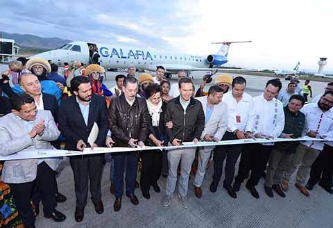 El Gobernador Manuel Velasco inauguró el inicio de operaciones del vuelo Puebla-Tuxtla Gutiérrez-Palenque-Cancún, que será cubierto por Calafia Airlines. Destacó que aumentarán las opciones de traslado conectando a Chiapas con el Norte, Bajío, Centro y Sureste del país.