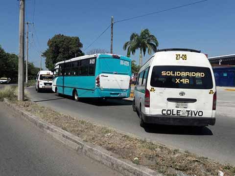 Operadores del Tapachulteco Invaden Ruta