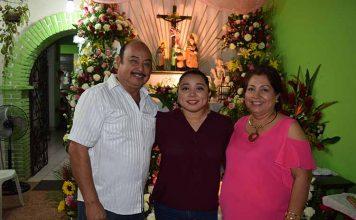 Los anfitriones: Juan Jesús Lazos, Laura Lazos, Angélica Maldonado.