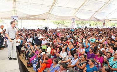 Las mujeres son la fuerza que impulsa el desarrollo de Chiapas, destacó el mandatario estatal.