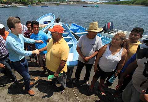 El Gobernador Velasco señaló que con las acciones del programa Bienestar Pescando con el Corazón, se ha logrado que la producción en Chiapas crezca hasta en un 71 por ciento.