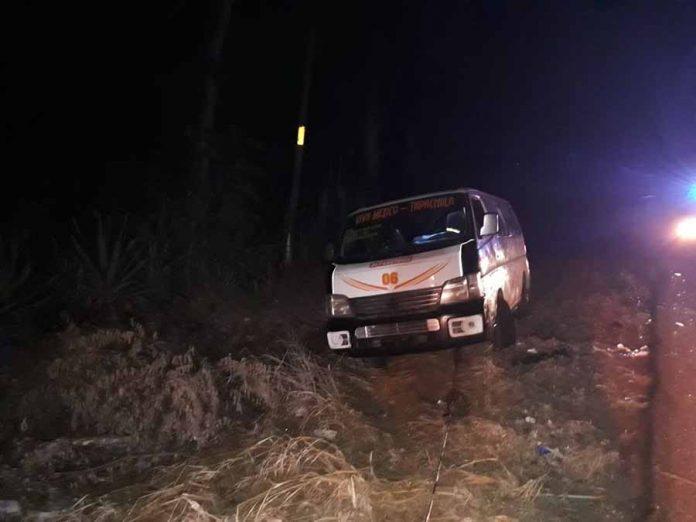 Unidad de Pasaje Accidentada en la Carretera Costera