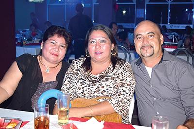 Edilberto Mérida, Sandra Villatoro, Ary Islas.