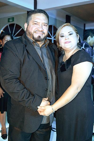 Carlos Ordoñez, Roxana Mathamba.