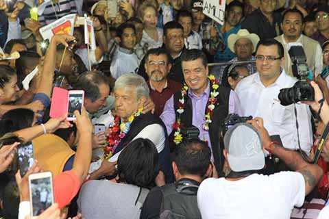 Los precandidatos de la alianza: MORENA, PT y Encuentro Social, fueron recibidos por la militancia en el municipio de Frontera Comalapa.