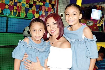 Ximena Nivón, Paola Méndez, Paola Nivón.