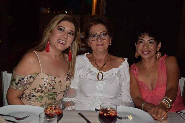 Verónica Briones, Rosy Rodas, Rosa Amelia Citalán.
