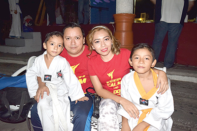 Familia Solís Rosales.