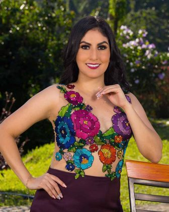 Anaid Flores Sánchez, Licenciada en Gestión Turística por la UNACH.
