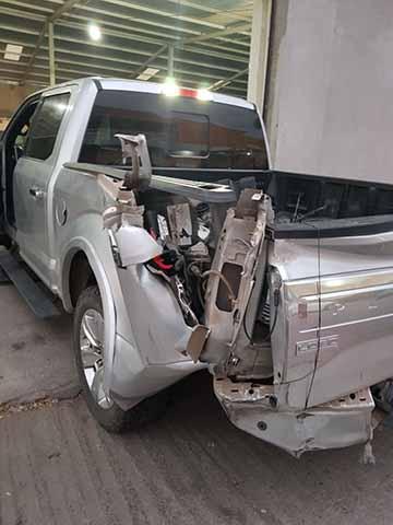 Atentan Contra Exregidora de Suchiate, Camioneta Embiste Unidad que Manejaba