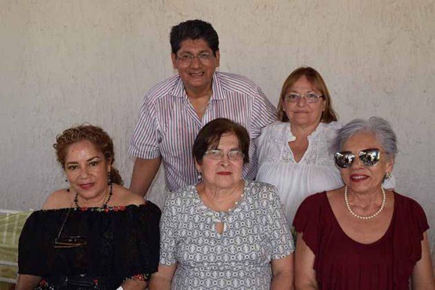 Bertha Guillén, Eloísa Escobar, Marleny Cancino, Pedro Muñoz, Marisela Prats.