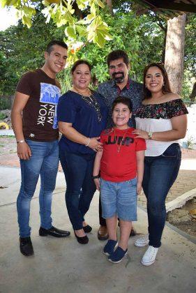 Familia Ochoa Mujica.