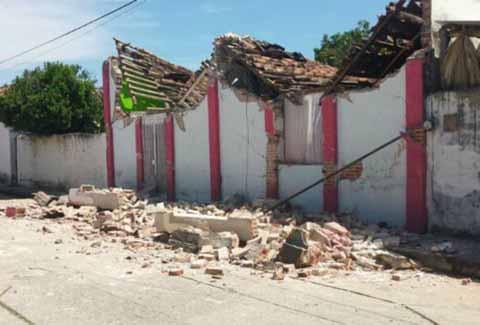 Peligro Latente Bardas a Punto de Colapsar en Huixtla