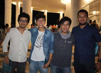 Carlos Oropeza, Carlos Maldonado junto a amigos.