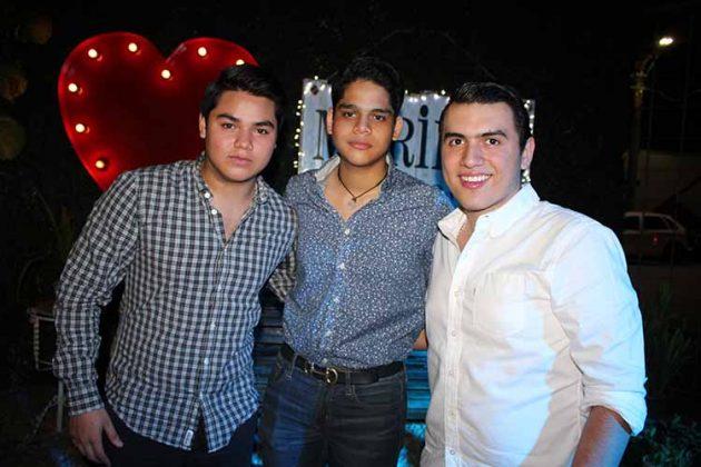 Bernardo Pico, Juan Rivas, Carlos Roblero.