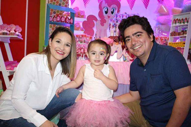 Andrea Trujillo, Andrea Sofía, Luis Vives.