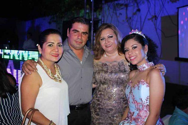 Liliana Constantino, Luis Gómez, Claudia Casanova, María Fernanda Martínez.